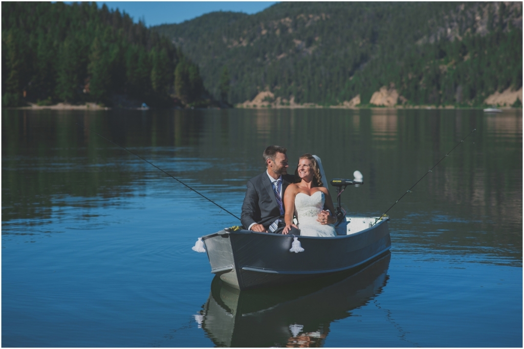 Stunning Wedding day Boat Photo. Wedding Photography