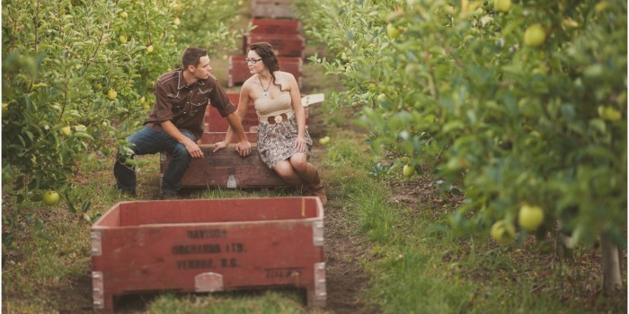 Alex & Laura | Davison Apple Orchards