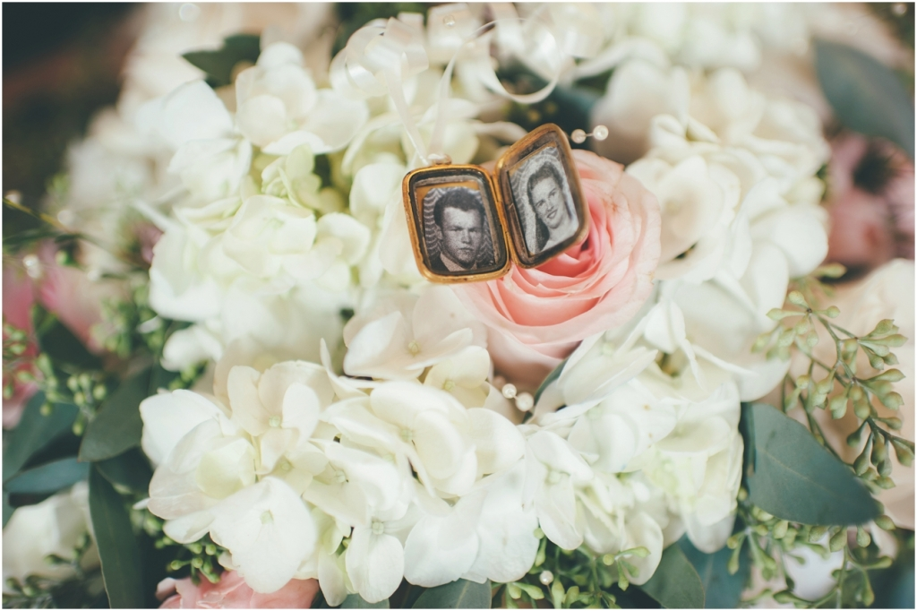 Vintage Chic Wedding - Kelowna Wedding Photographer_0113