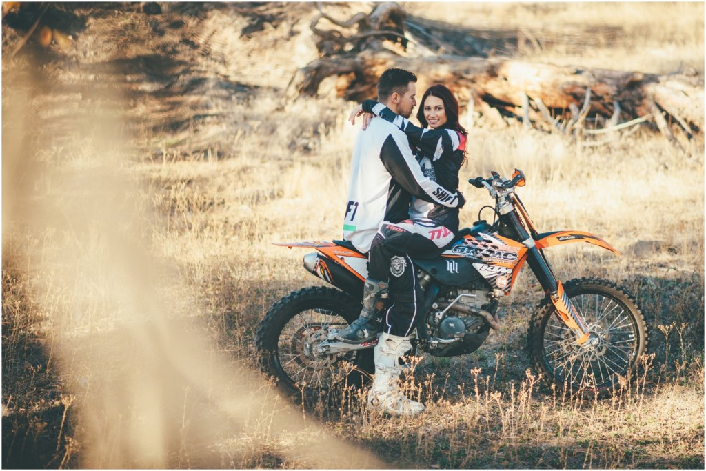 Dirtbike Couple Photo Ideas