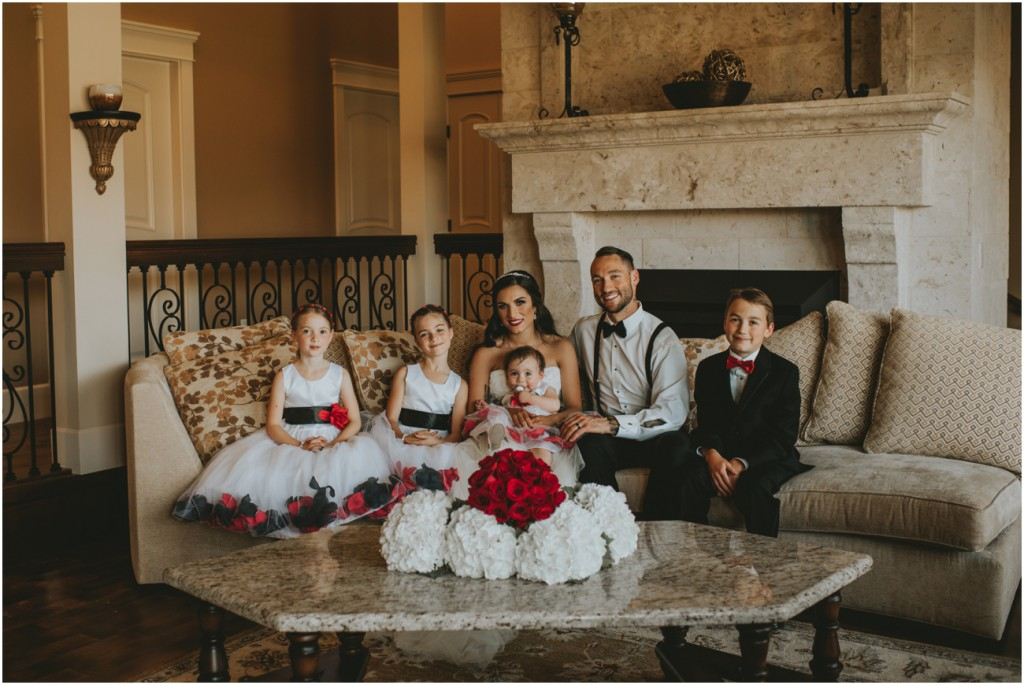 Elegant Family Photos at Wedding