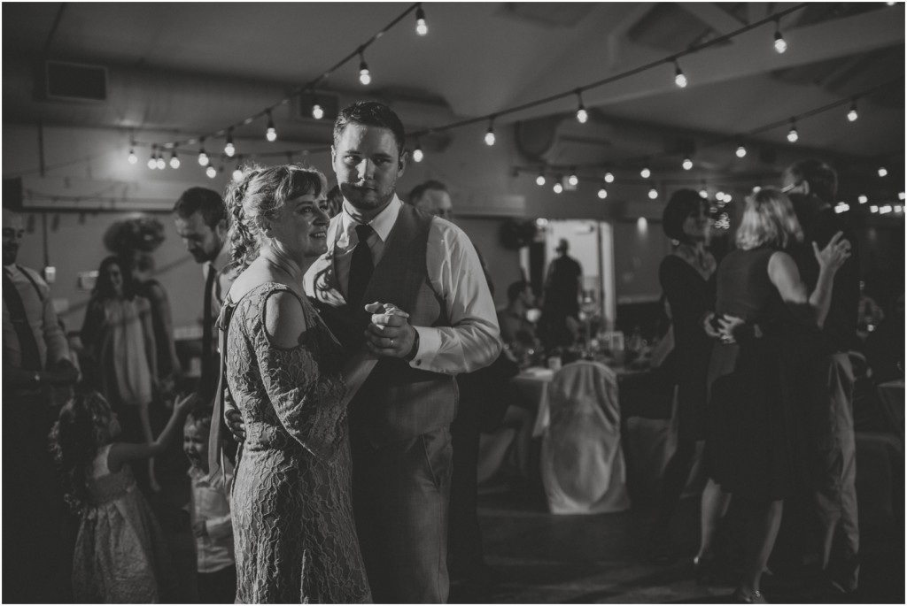 paddlewheel-hall-wedding-vernon-photographer_0141