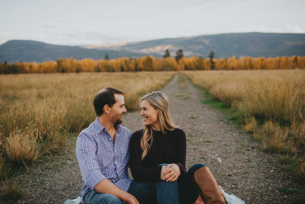 okanagan-waterfall-engagement-photography_0028