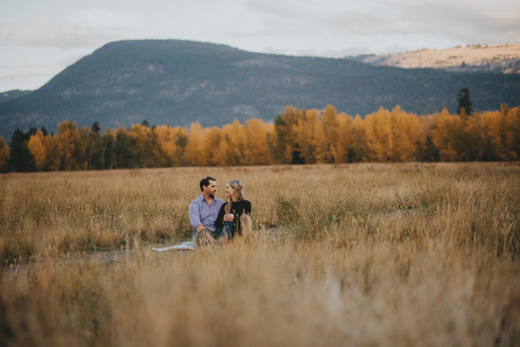 okanagan-waterfall-engagement-photography_0029