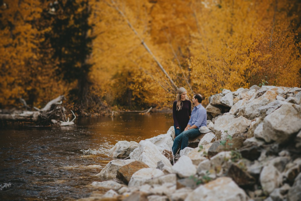 okanagan-waterfall-engagement-photography_0038