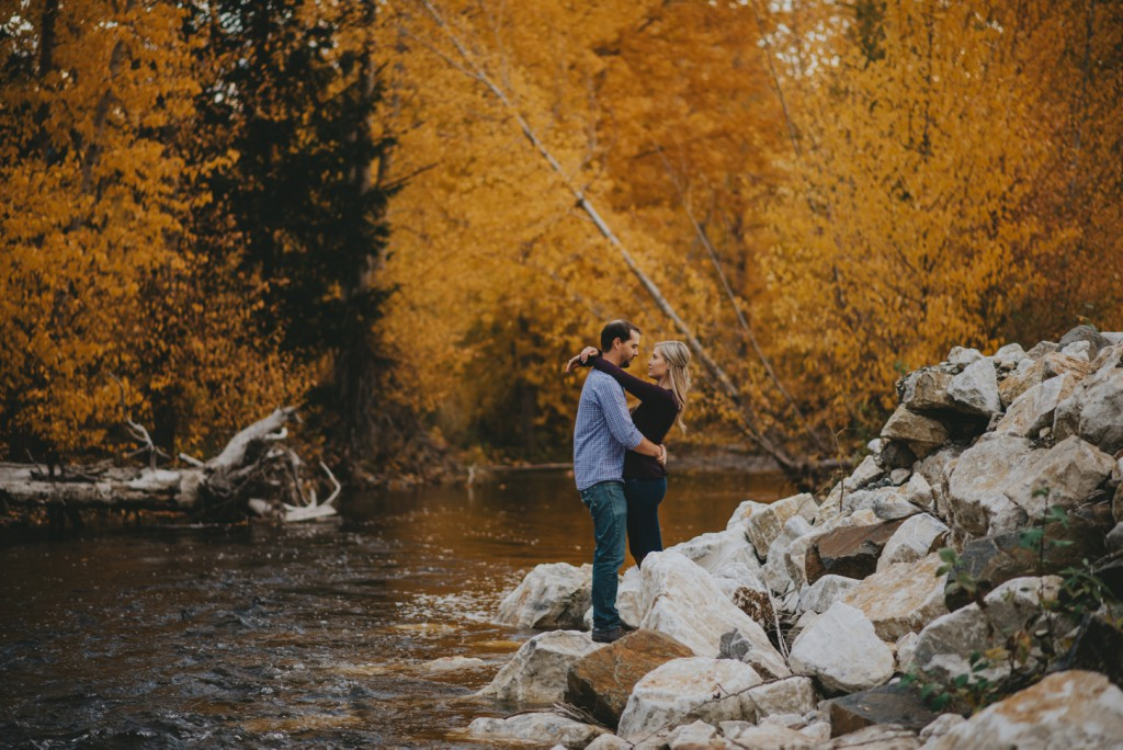 okanagan-waterfall-engagement-photography_0039