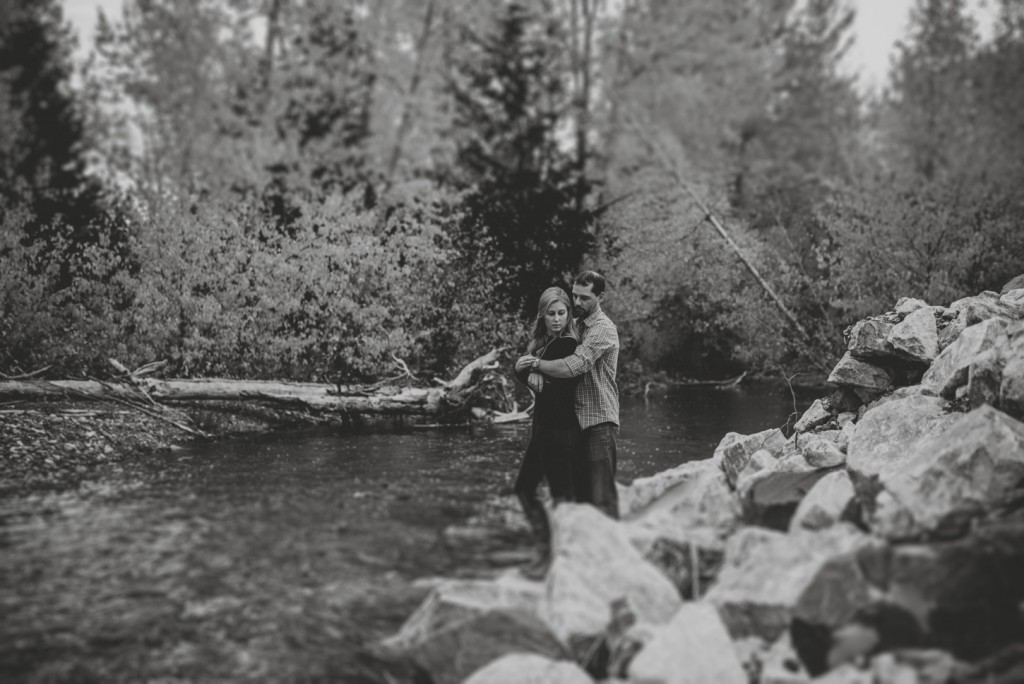 okanagan-waterfall-engagement-photography_0040