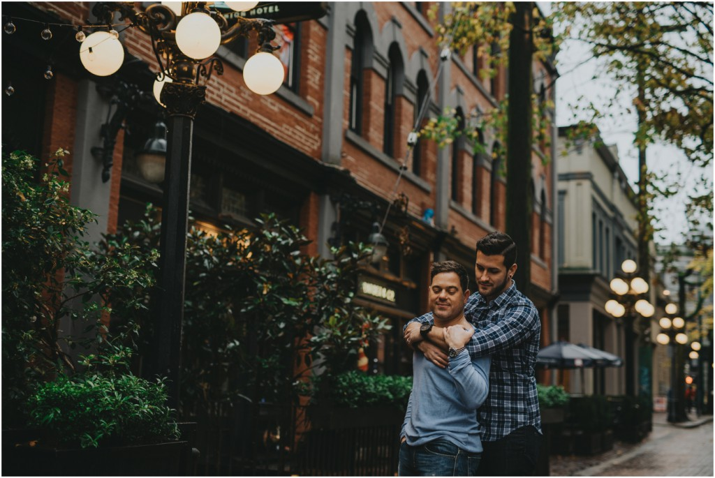 gastown-engagement-vancouver-photographer_0008