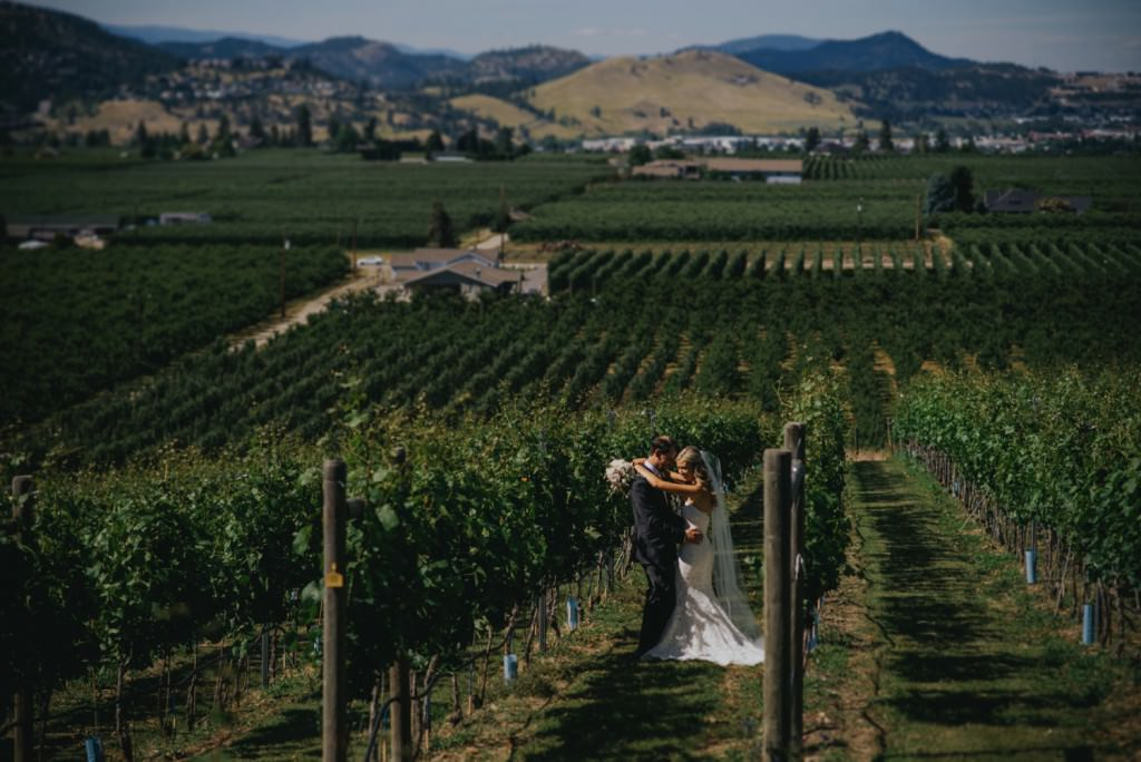 Okanagan Villa Wedding Photo