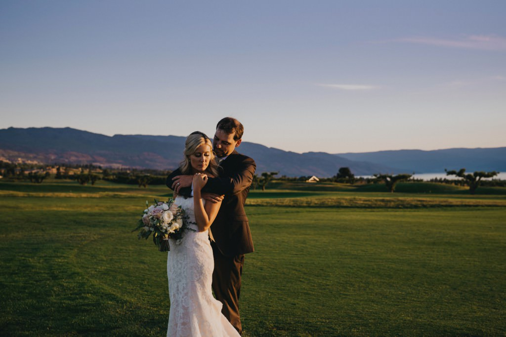 Kelowna Sunset Wedding Photo at Golf Course