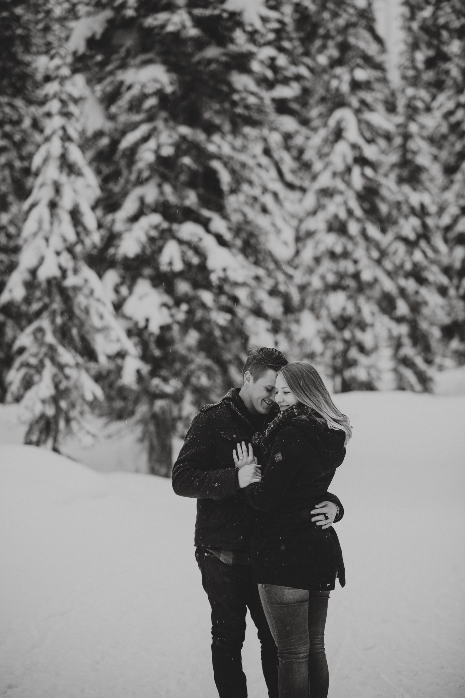 Snowy Forest Engagement - Kelowna Photographer_0019