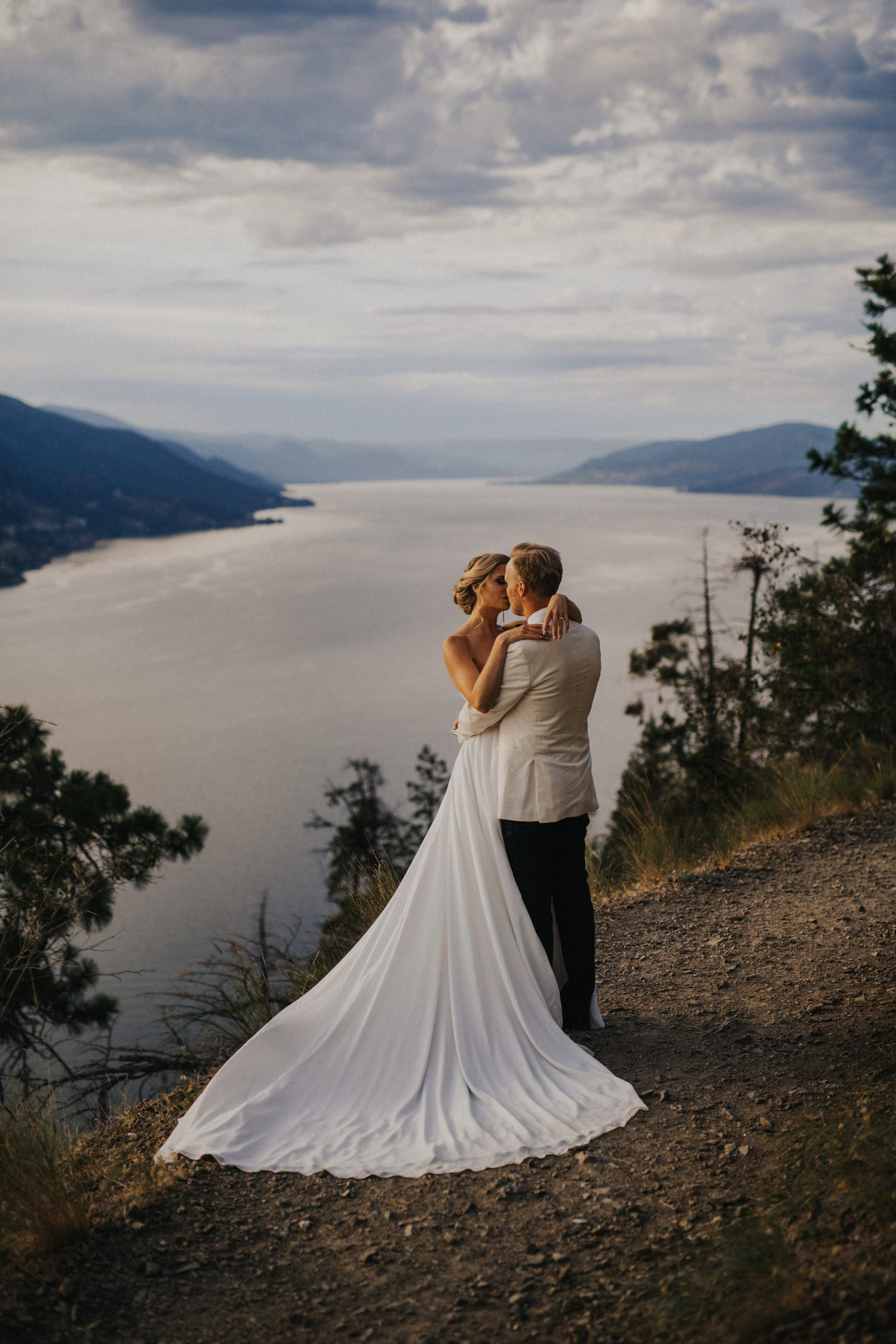 Stunning Kelowna Mountain Wedding