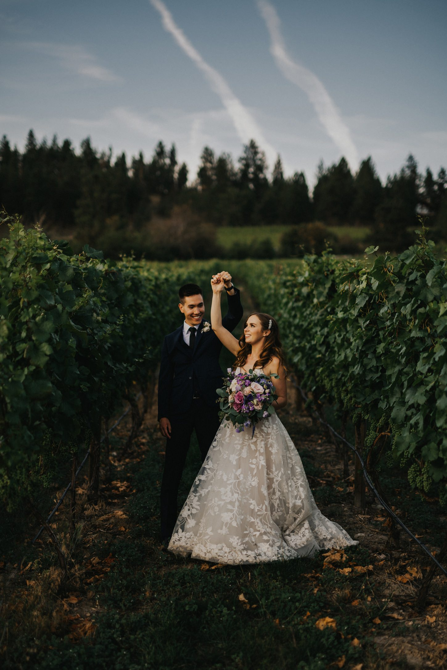 50th Parallel Winery Wedding Photographs